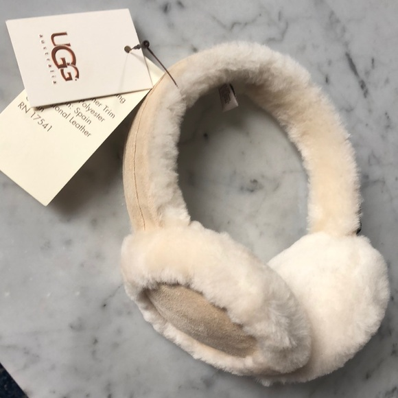 494ff7c8d63 New Ugg Classic Leather Shearling Ear Muffs NWT
